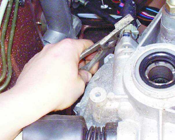 """фото. ваз 2108. снять.  Ключевые слова к статье  """" инструкция. ремонт своими руками. ваз. инструкция."""